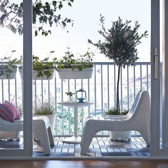 Как выбрать и оформить пластиковую дверь на балкон