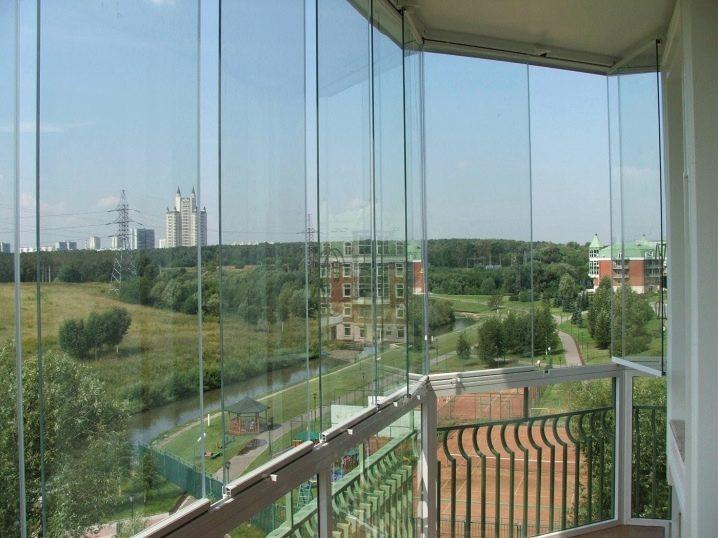 Обустройство балконов