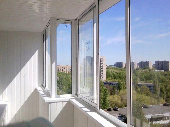 Остекление балконов в