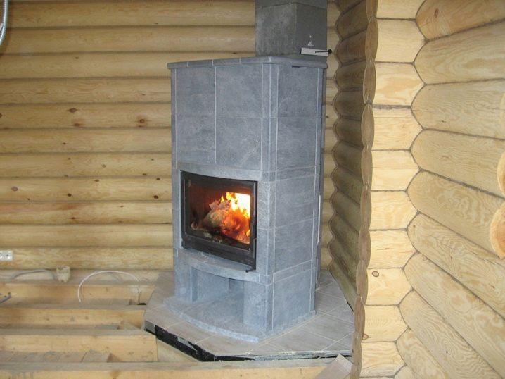 Печь-камин для загородного дома
