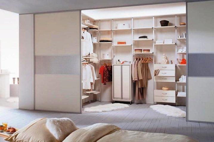 Популярные производители мебели для гардеробных комнат