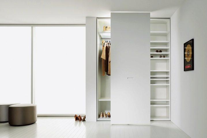 Шкаф-купе в коридор