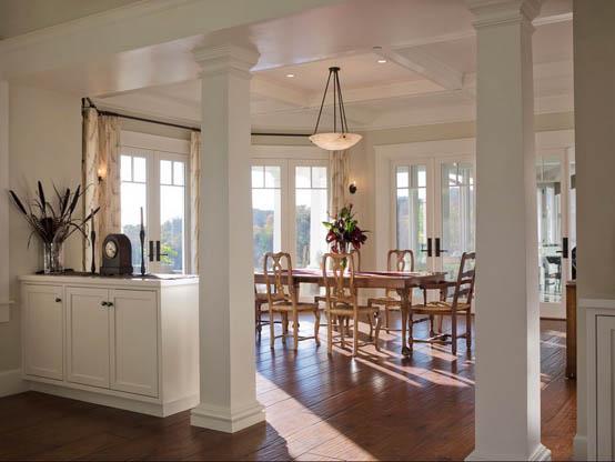 колонна в интерьере кухни
