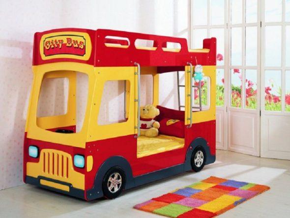 Двухъярусная кровать автобус в детскую