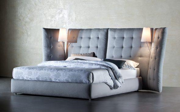 Двуспальная кожаная кровать