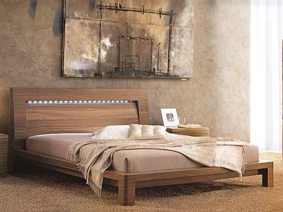 Двуспальные кровати из массива фото
