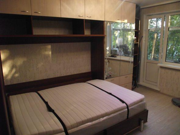 Двуспальные кровати с подъемным механизмом горизонтальной трансформации