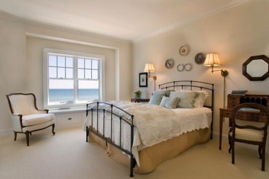 Кованые кровати в интерьере 1
