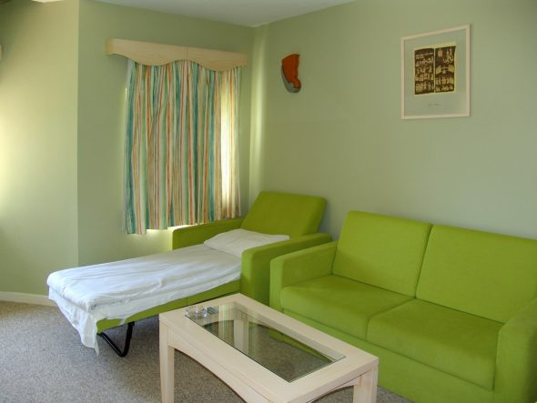 Кровать для малогабаритной квартиры