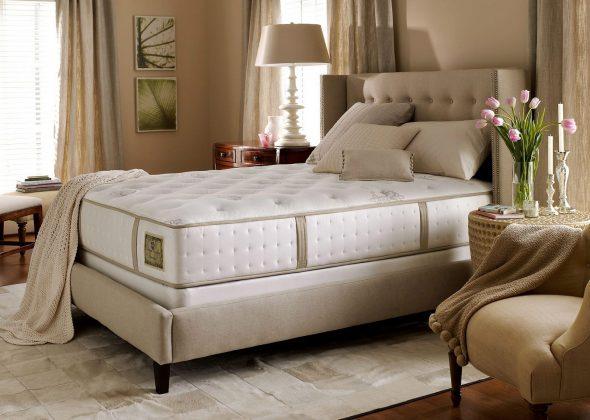 Расположение кровати в спальне