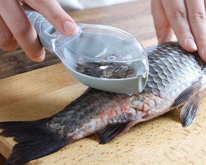 рыба с ножом