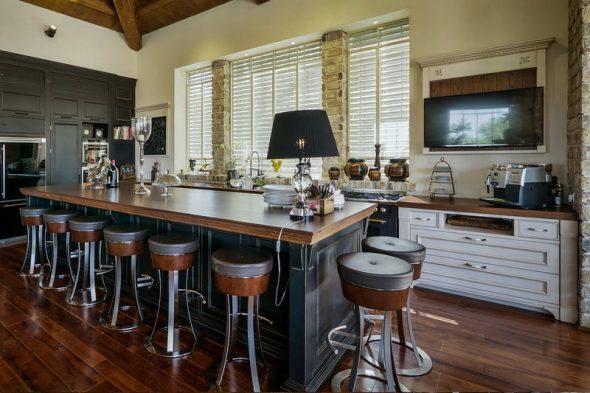 барные стулья без спинки на кухне