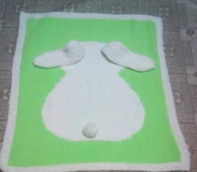 Белый зайчонок