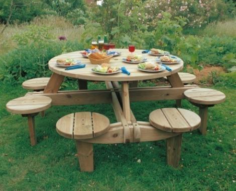 Дачный круглый стол
