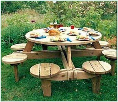 Дачный вариант обеденного стола