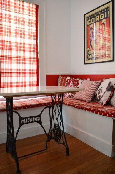 Декор для кухонного уголка с помощью подушек