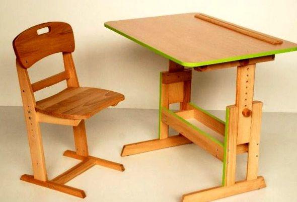 деревянный стул для школьника