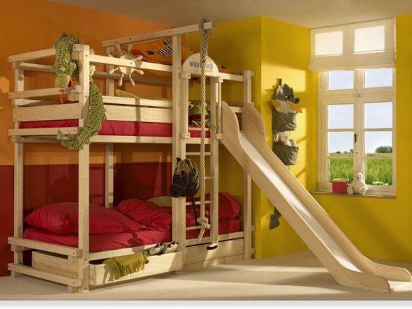 детская кровать с горкой и канатами