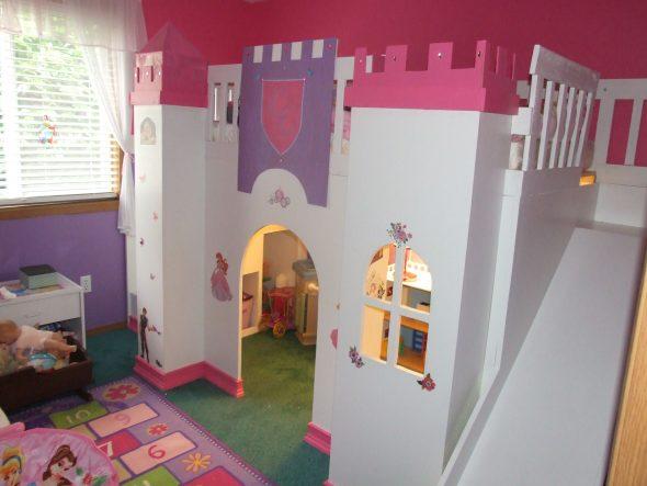 кроватка замок для девочки
