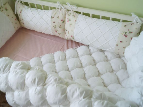 кроватка детская с бортиками