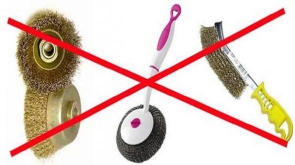 Категорически запрещено использование жестких щеток и абразивных средств