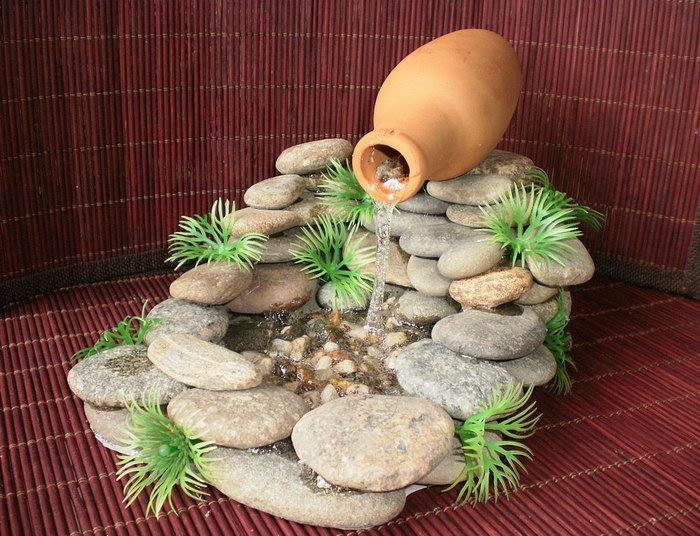 домашний фонтан из камней