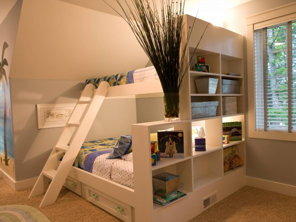 двухъярусная кровать для детей и взрослых