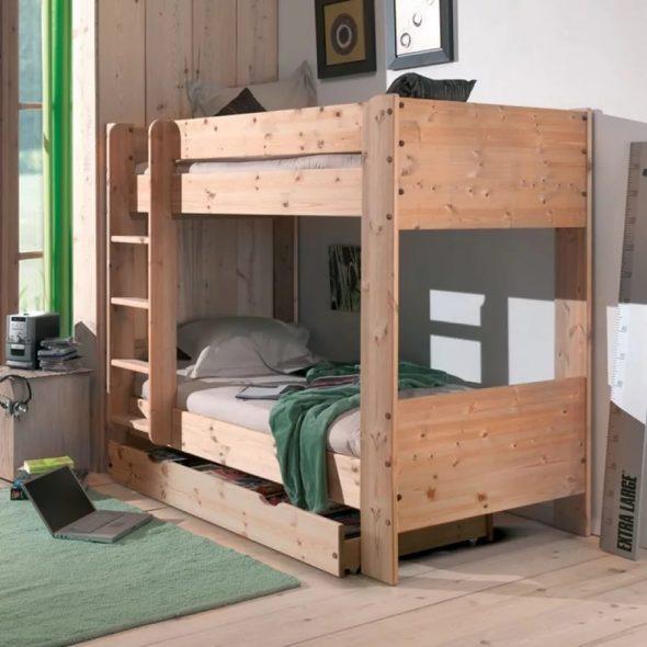деревянная кровать в детскую