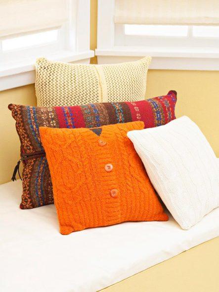 Подушки из свитеров