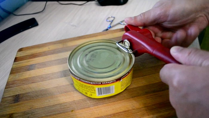 как открыть консерву