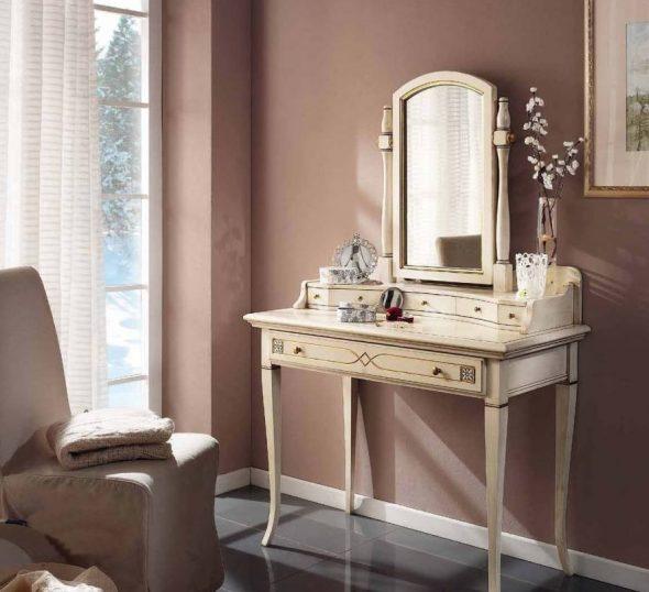 Классический туалетный столик