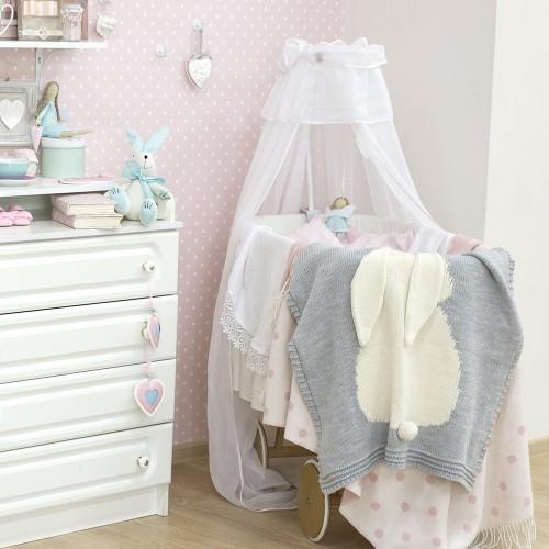 Красивая кроватка для малышки