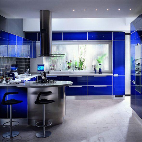 Красивая кухня в стиле хай-тек