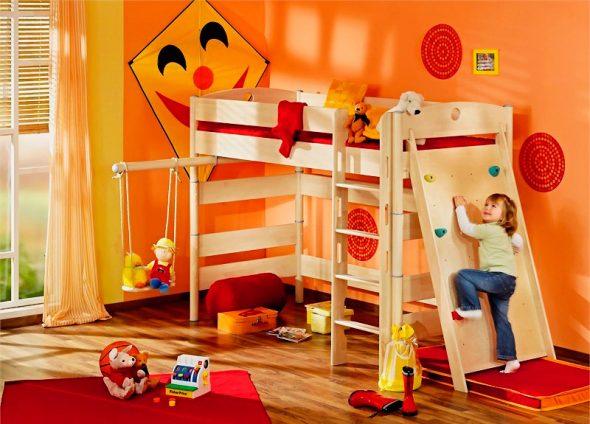 Кровать чердак с игровой зоной для маленьких детей