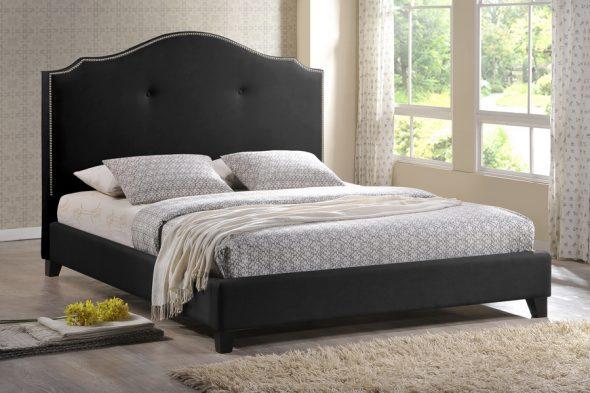 кровать черного цвета