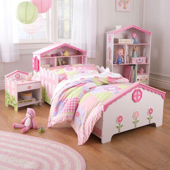 розовая кроватка домик