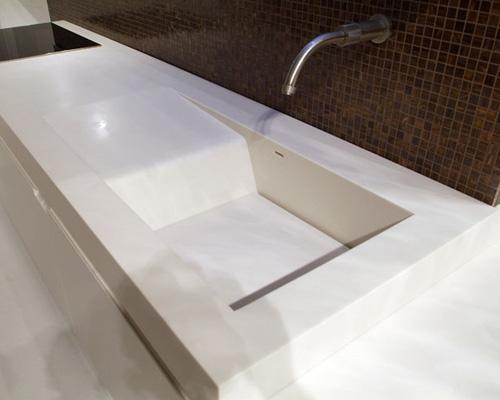 Кухонная столешница из кориана