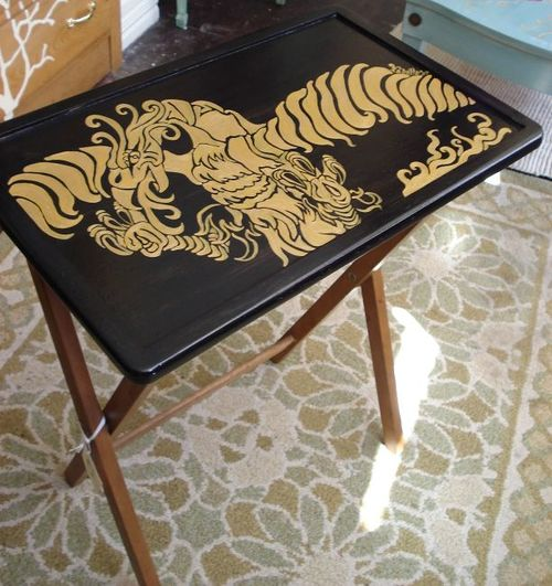 оформление покраска старинного стола