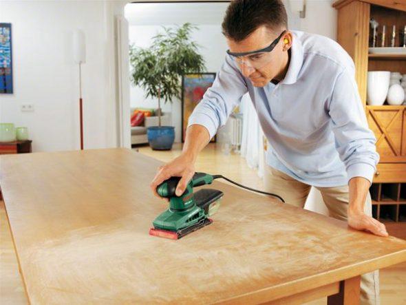 Подготовка деревянного стола