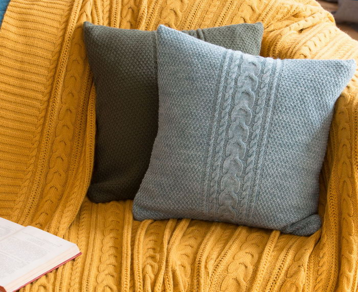 подушка вязаная чехол
