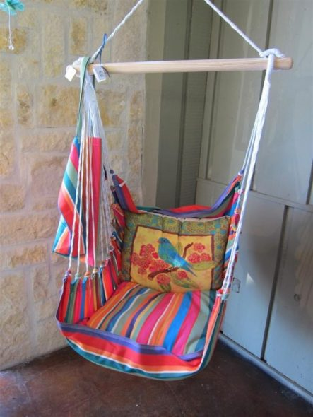 Подвесное кресло-качеля