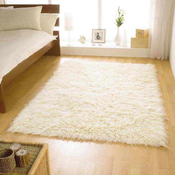 прикроватные классические коврики для спальни идеи декор