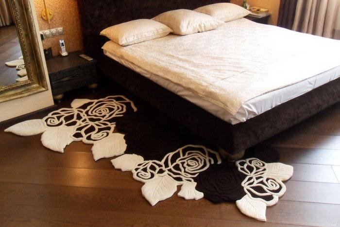 прикроватные классические коврики для спальни идеи видов