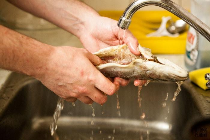промыть рыбу