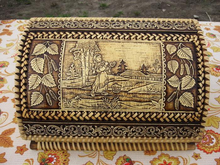 резная хлебница из бересты