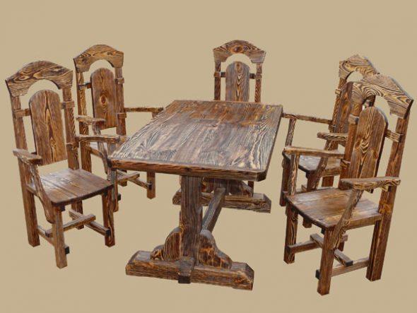 Резные стулья и стол