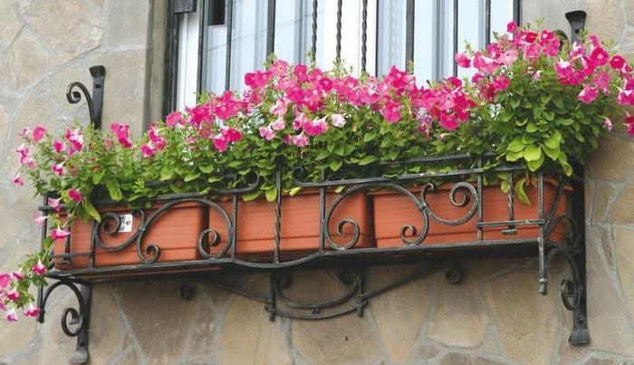 балкончик для цветов на окне