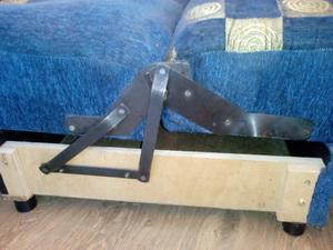 Механизм сложения дивана