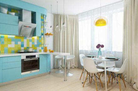 Стол из стекла круглый в интерьере кухни