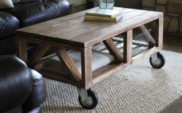 столик в деревенском стиле